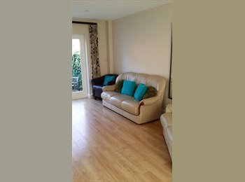 EasyRoommate UK - Double room in a lovely house - Aldershot, Hart and Rushmoor - £420