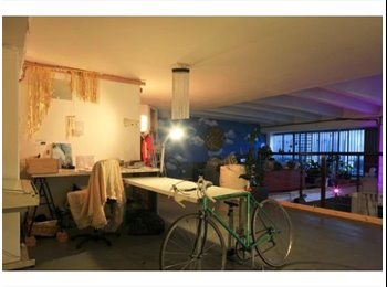 EasyRoommate UK - Open Plan Living/ Double Rooms in Warehouse - Finsbury Park, London - £650
