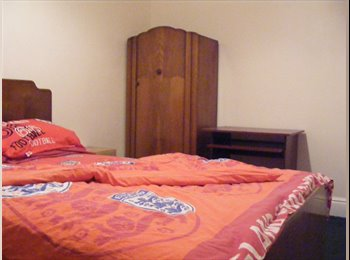 EasyRoommate UK - double room for rent - Clowne, Chesterfield - £282