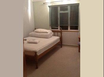 EasyRoommate UK - Eileen. - Ruislip, London - £475