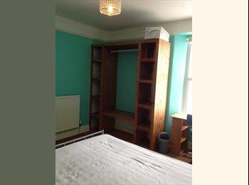 EasyRoommate UK - D'ble rooms,Truro,TR1 3ES, all bills,cleaner,wifi - Truro, Truro - £500