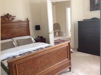 EasyRoommate UK - Lovely big room with built in wardrobes and shower - Harrogate, Harrogate - £550