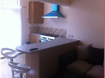 EasyRoommate UK - Room Available, 30 mins from University - St Judes, Plymouth - £313