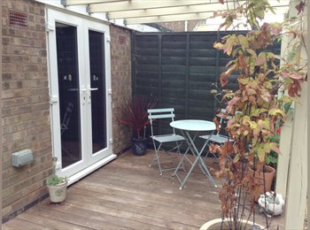 EasyRoommate UK - Private room in secure garden location - Peterborough, Peterborough - £350
