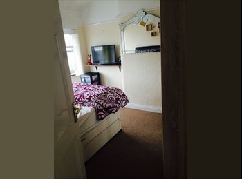 EasyRoommate UK - Spare Double Room - Prestwich, Manchester - £450