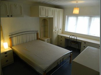EasyRoommate UK - L-U-X-U-R-Y ROOM, Sky in room - All Bills Incl - Hemel Hempstead, Hemel Hempstead - £550