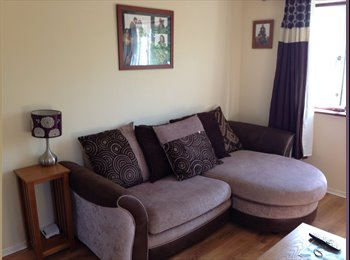 EasyRoommate UK - Small double bedroom Available from 01/12/2014 - Slinfold, Horsham - £450