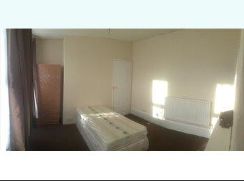EasyRoommate UK - Room to Let Gravesend £100pw - Gravesend, Gravesend - £100