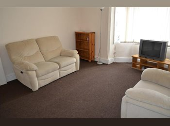 EasyRoommate UK - Cheap 2 rooms available - Braunstone, Leicester - £250