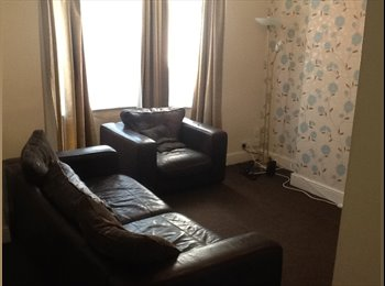 EasyRoommate UK - Spacious 4 bedroom house share - Folkestone, Folkestone - £350