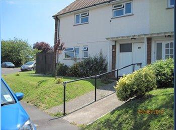 EasyRoommate UK - Professional houseshare close to Weymouth centre - Weymouth, Weymouth and Portland - £468