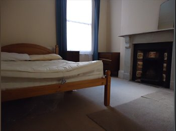 EasyRoommate UK - Student house, short walk to town and uni! - St Judes, Plymouth - £300