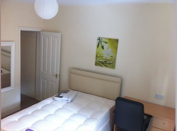 EasyRoommate UK - Great Double Bedroom - Lincoln, Lincoln - £303