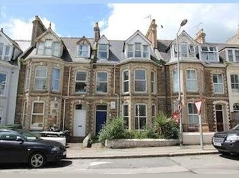 EasyRoommate UK - Rooms to rent in house near beach & shops - Newquay, Newquay - £347