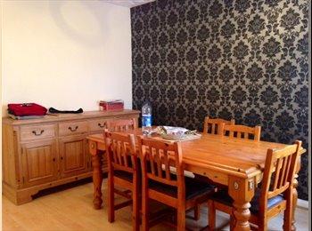 EasyRoommate UK - Room for rent in WestBourne Road, Bedford - Bedford, Bedford - £280
