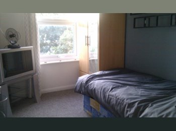 EasyRoommate UK - Single and Double In Quiet House - Cheriton, Folkestone - £325