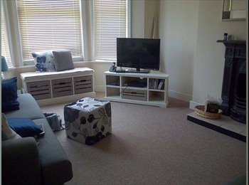 EasyRoommate UK - Double room in charming Victorian Maisonette - Folkestone, Folkestone - £340