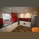 EasyRoommate UK Newly Refurbished 4 Bed House with Pool Room! - Hyde Park, Leeds - £ 400 per Month - Image 1