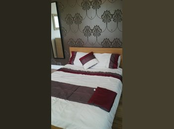 EasyRoommate UK - Lovely Room To Rent- Replacement for Contract - Ladybarn, Manchester - £455