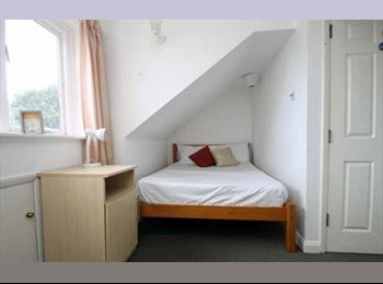 EasyRoommate UK - Double student room UTILITY BILLS INCLUDED - Canterbury, Canterbury - £476