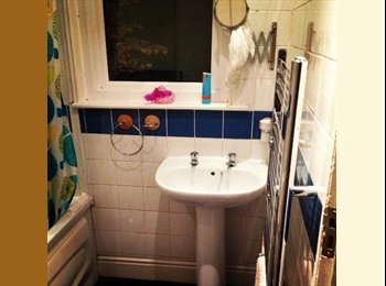 EasyRoommate UK - 1 Large Double Bedroom in a flat in Charminster - Charminster, Bournemouth - £300