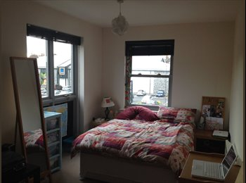 EasyRoommate UK - LARGE double room with private bathroom! - Canterbury, Canterbury - £400