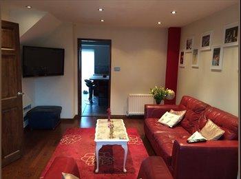 EasyRoommate UK - Double Room in Modern Detached House - Stoke-on-Trent, Stoke-on-Trent - £300