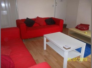 EasyRoommate UK - Room for 2014/15 in Lenton, great for UoN students - Nottingham, Nottingham - £312