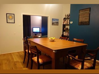 EasyRoommate UK - Double Room in friendly houseshare in Stretford - Stretford, Trafford - £270