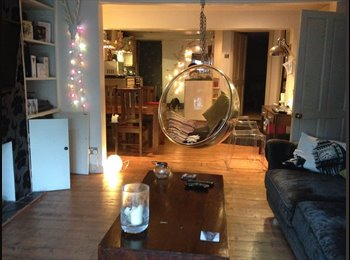 EasyRoommate UK - Room in beautiful flat, Monday to Friday - Finsbury Park, London - £800
