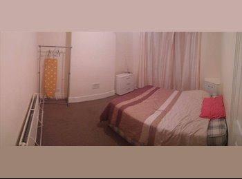 EasyRoommate UK - *** DOUBLE ROOM TO RENT IN UXBRIDGE *** - Uxbridge, London - £400