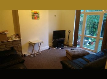 EasyRoommate UK - Urgent!!! Furnished double room available - Aylestone, Leicester - £303
