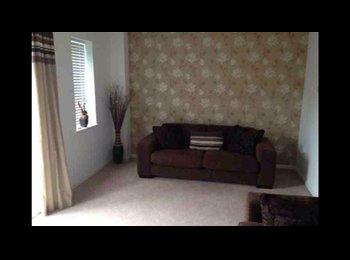 EasyRoommate UK - Large house in Burslem - Burslem, Stoke-on-Trent - £350