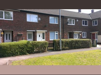 EasyRoommate UK - 3 bed shared house in Wythenshawe - Wythenshawe, Manchester - £234