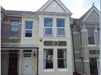 EasyRoommate UK - Double room in large airy house share - Plymouth, Plymouth - £390