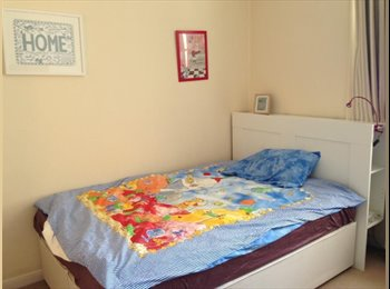 EasyRoommate UK - south kensington 4 bedroom to share - South Kensington, London - £650