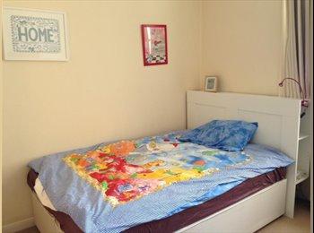 EasyRoommate UK - south kensington 4 bedroom to share - South Kensington, London - £650