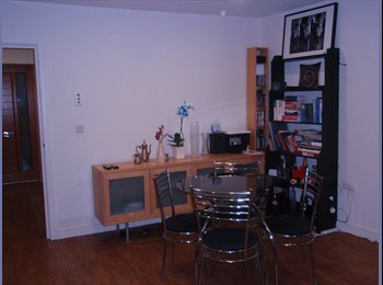 EasyRoommate UK - Spacious double bedroom house share in East Putney - Putney, London - £760