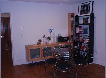EasyRoommate UK - Spacious double bedroom house share in East Putney - Putney, London - £760