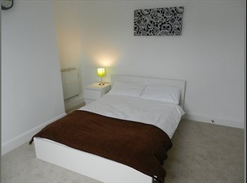 EasyRoommate UK - Modern New House Share near Reading West - Reading, Reading - £575