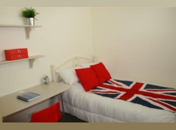 EasyRoommate UK - BOUTIQUE STUDENT ACOM, CATHAYS, 1 MOVE IN ASAP - Cathays, Cardiff - £381