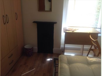 EasyRoommate UK - Double room to rent - Colchester, Colchester - £425