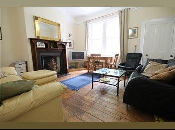 EasyRoommate UK - One room available - Buston Terrace, Jesmond. - Jesmond, Newcastle upon Tyne - £347