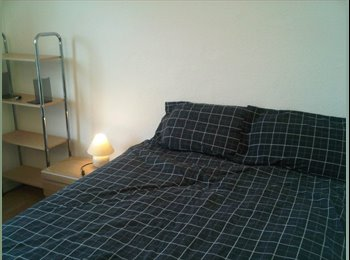 EasyRoommate UK - Gay friendly flat share in Hounslow - Hounslow, London - £450