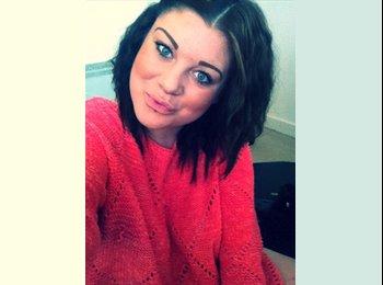 EasyRoommate UK - Danielle - 19 - Colchester
