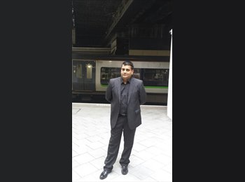 EasyRoommate UK - UMAR - 42 - Coventry