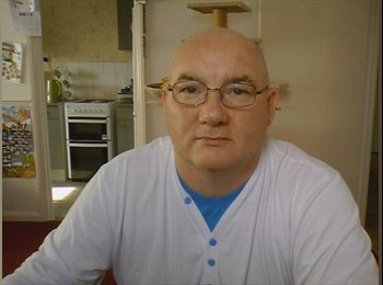 EasyRoommate UK - tony - 51 - Reigate and Banstead