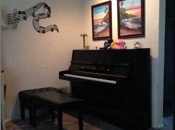 EasyRoommate US - Cute townhouse in very convenient location - Greater Downtown, Kansas City - $400