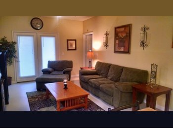 EasyRoommate US - Spacious Condo Room + Full Bath + Walk-in Closet - Norman, Norman - $450