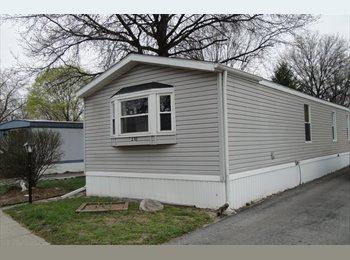 EasyRoommate US - Bedroom to rent with private bathroom - Toledo, Toledo - $280